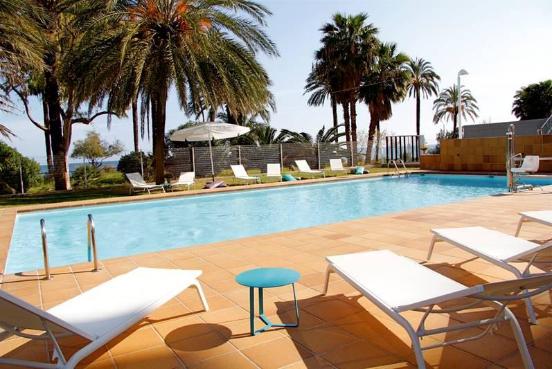 Apartamento dúplex a estrenar con vistas al mar en exclusiva residencia en Playa d'en Bossa