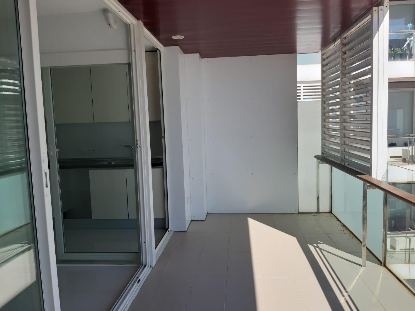 Appartement moderne de 2 chambres avec un grand potentiel au bord de la mer à Playa d'en Bossa