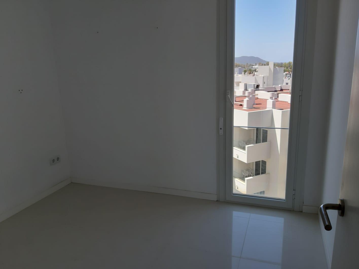 Belle chambre lumineuse de 2 chambres à coucher dans la résidence en bord de mer à Playa d'en Bossa