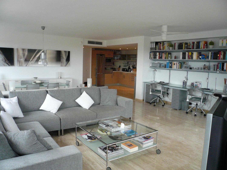 梦幻般的 3 卧室公寓在玛丽娜博塔福