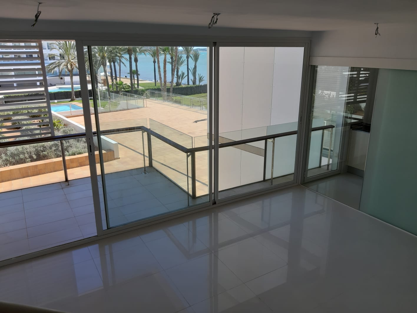Appartamento fronte mare di lusso in vendita nella residenza Bossa del Mar