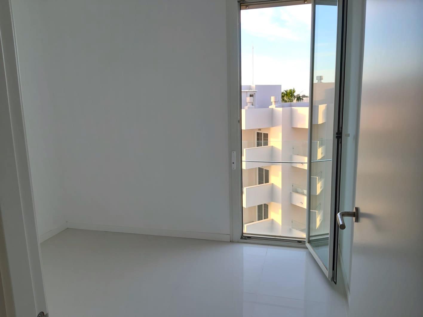 Etxebizitza salgai in Figueretes - Platja d'En Bossa (Ibiza)