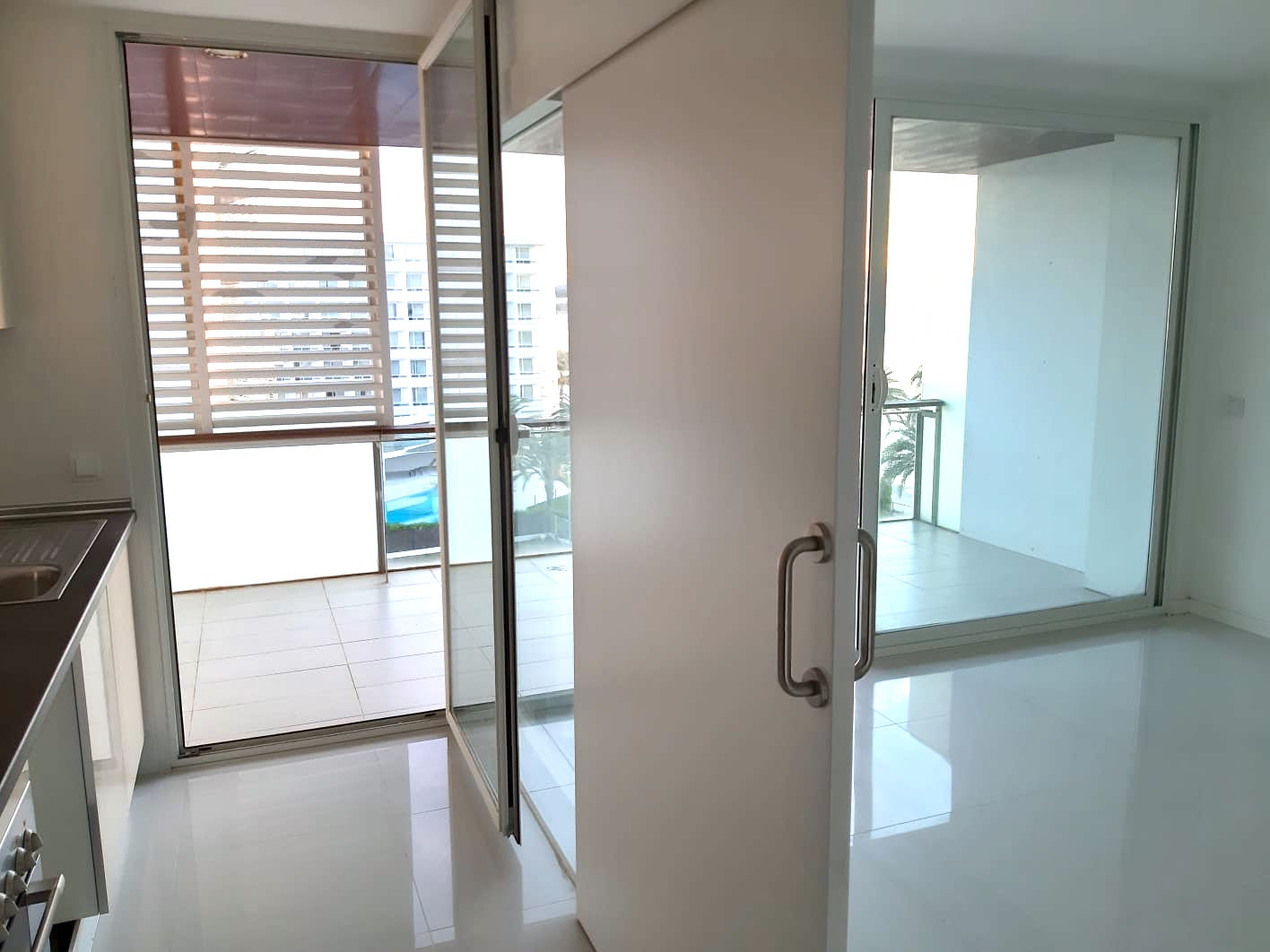Precioso piso de 2 dormitorios en venta en primera línea de playa en Ibiza, Playa d'en Bossa.